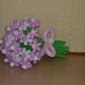 Нежный воздушный букет для особенного человека  –  подарок, повод для которого не обязателен! от 1,50 руб. за цветок.