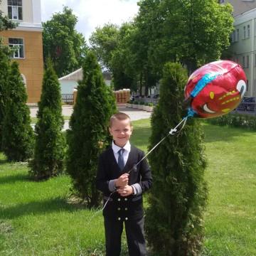 Максим с тачкой Маквин от «Планеты шаров»