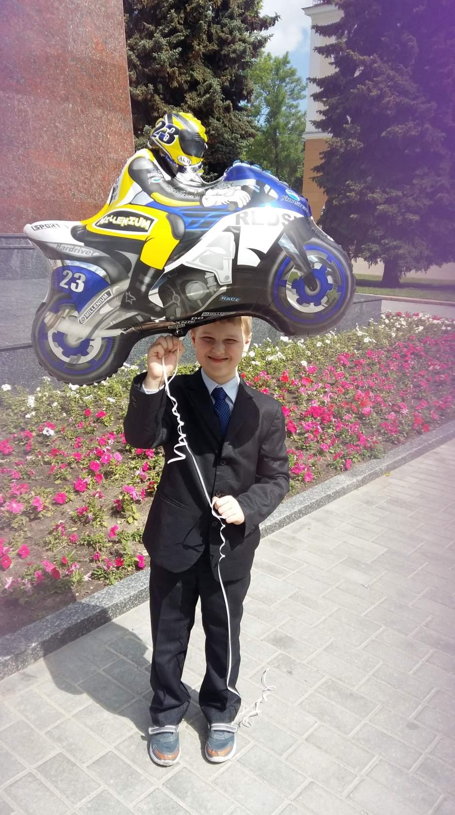 Ваня с мотоциклистом от «Планеты шаров»