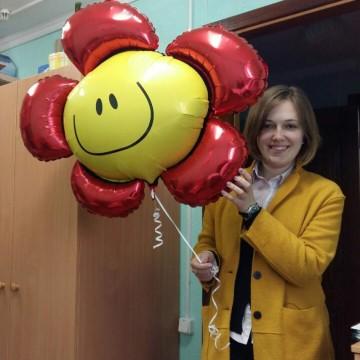 Победитель розыгрыша Оксана с потрясающим весенним цветком от «Планета шаров»