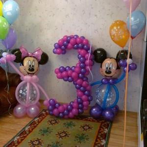 Композиция из воздушных шаров «Микки Маус сюрприз»
